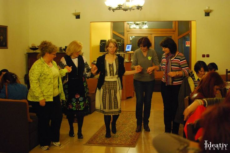 Learning Romanian dances with Ideativ Travel