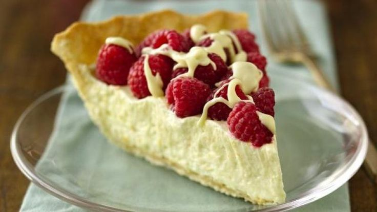 White Chocolate Raspberry Cream Pie | Piece of Pie Please! | Pinterest