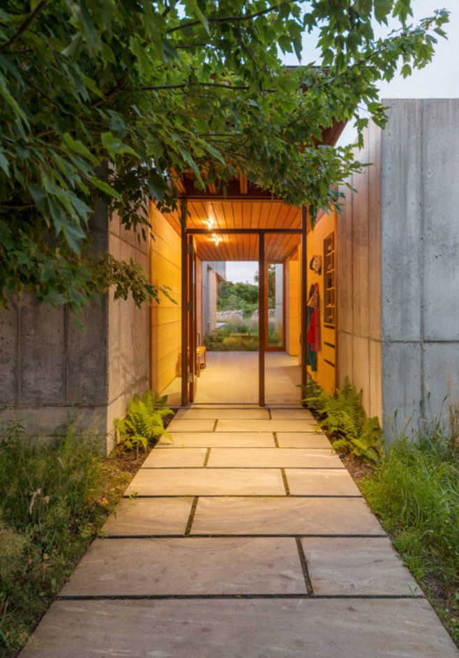 An example of an interesting entry way.
