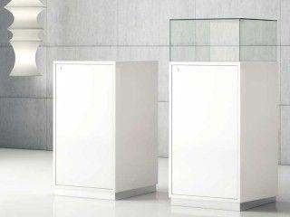 Museumsvitrine JTQ50 mit und ohne Haube in Weiß
