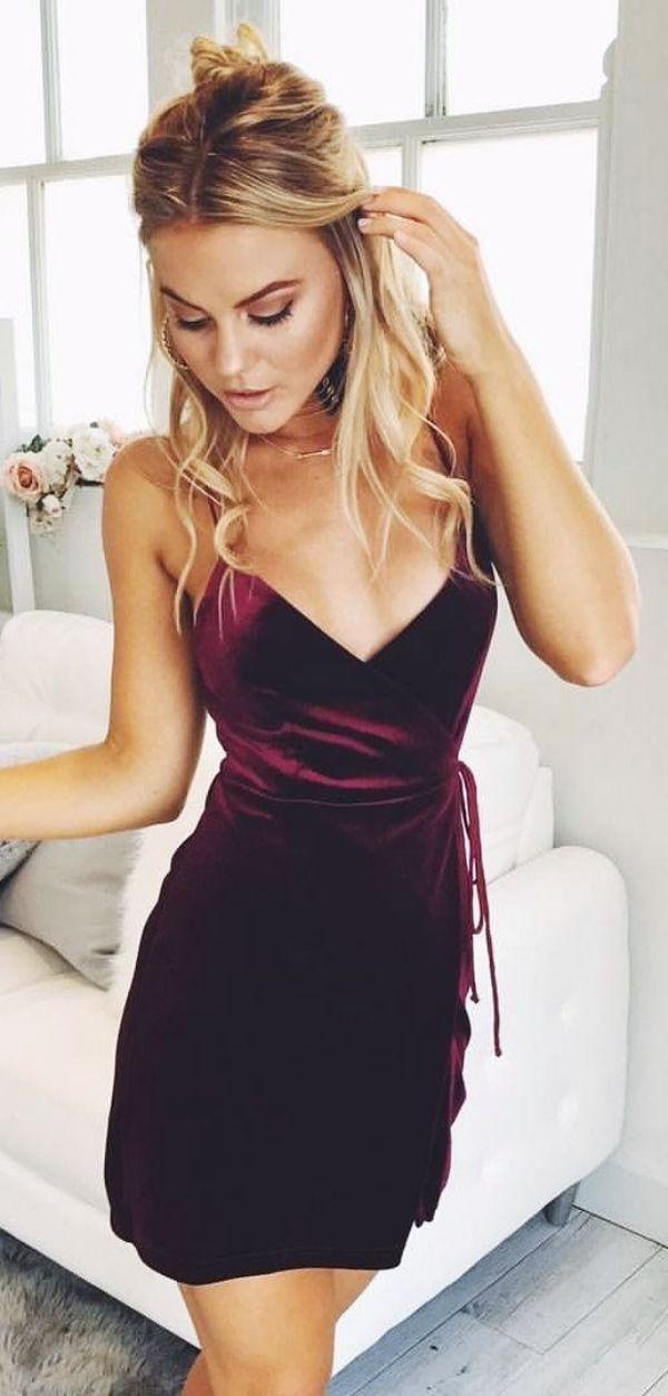 6a7a6b48e8be 15 Wrap Dresses and Outfits Ideas