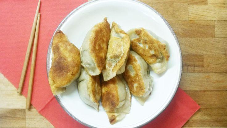 Les Jiao Zi sont des raviolis chinois que l'on appelle aussi raviolis pékinois. C'est une spécialité ancienne originaire de Chine du Nord et du Nord-Est. Ils peuvent être servi…