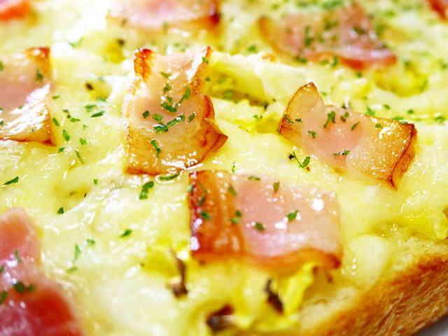 朝食ランチに♪春キャベツ新玉ねぎトーストの画像
