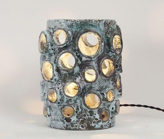 Lampe en céramique ajourée XXème siècle www.jifcollin.com