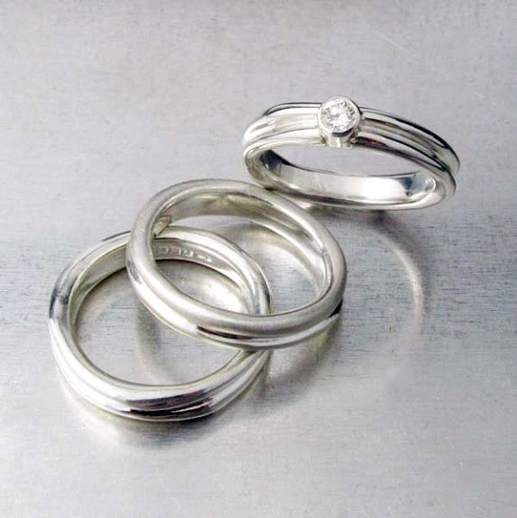 Amanda Cox Jewellery: Ripple wave ring in silver and set with diamond. Stand 272 www.amandacoxjewellery.co.uk