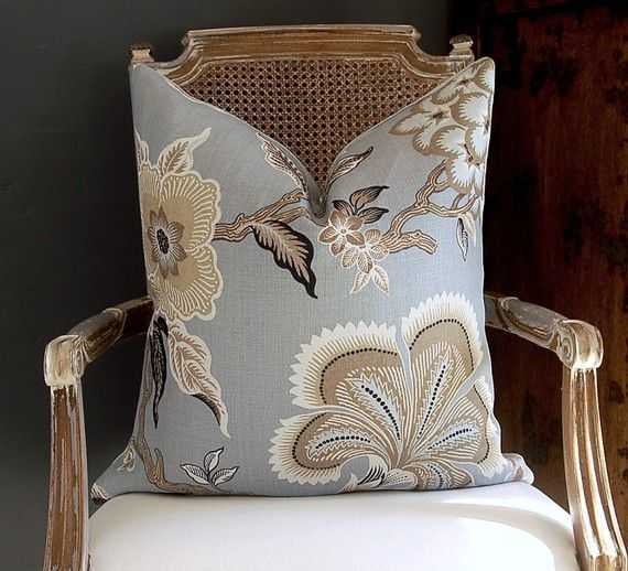 I've seen several of these chairs in the antique stores I've been browsing.
