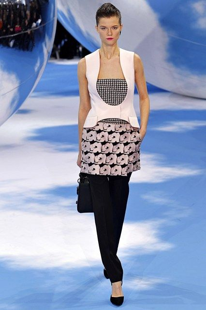 Christian Dior - www.vogue.co.uk/fashion/autumn-winter-2013/ready-to-wear/christian-dior/full-length-photos/gallery/946629