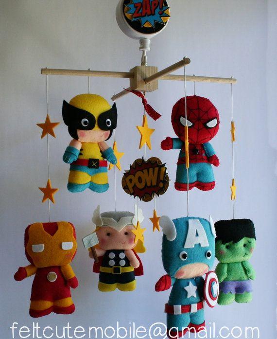 Móvil de Cuna Bebé fieltro superhéroes, cuarto niños decoración, Wolverine, Superman, Iron Man, Thor, Hulk, Capitán América, muñecas BB