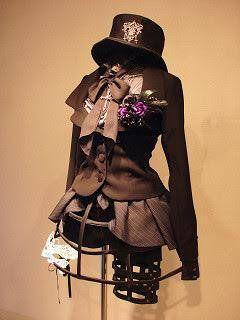 貴族のドレスをフワッとさせていた例のあれ『クリノリン』で盛り上がる人々【画像あり】 - Togetterまとめ