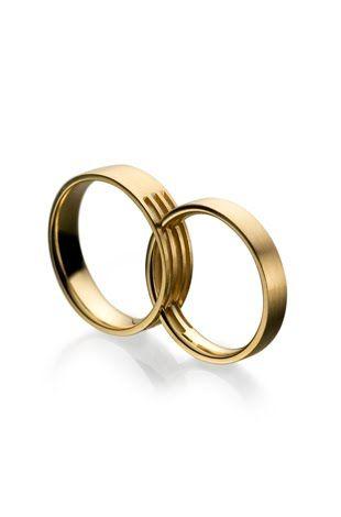 Alianças em ouro. Patricia Centurion, preço sob consulta. Vivara, de ouro, R$ 1.185,00, cada uma. Natam, de ouro, R$ 1.300,00 Antoni...