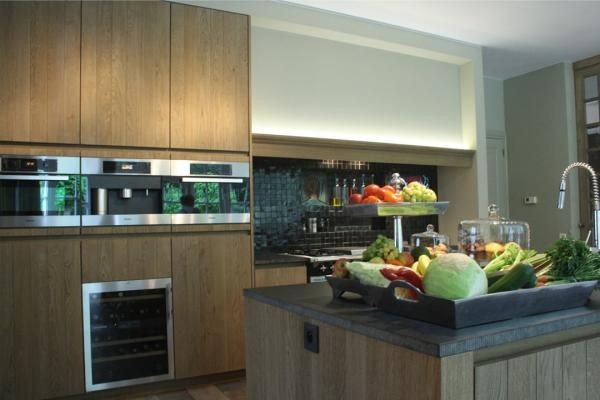 Strak landelijke keuken keukens interieur degroof for Interieur keukens