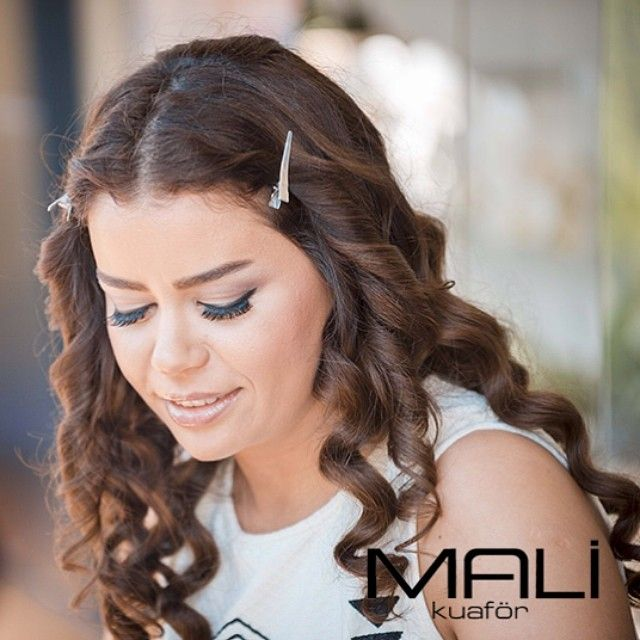 İfade danışmanı ve makeup Ebru Şahin güzelliğinize güzellik katmak için makyaj tekniklerini sizlerle paylaşıyor... #makeup #ifadedanismani #mac #ebrusahin #color #malikuafor