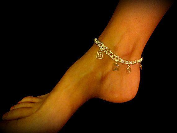 Sexy Summer Anklet - Dangling Greek Key