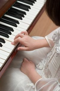 How to Teach First Piano Lessons--Good tips for the first lesson