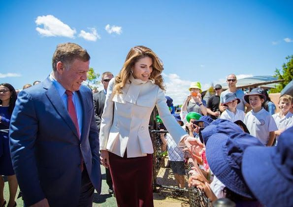 ♔♛Queen Rania of Jordan♔♛..King Abdullah II visit the National Arboretum in Canberra, Australia on November 24, 2016, as part of their state visit to Australia. King Abdullah II and Queen Rania are on an official visit to Australia upon an invitation from Australia's Governor General Peter Cosgrove.