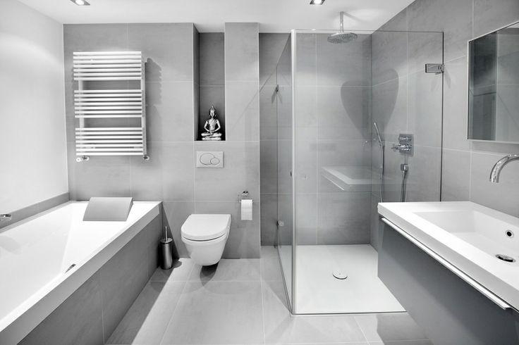 - Grote, zelfde, grijze tegels op vloer en wand, wordt niet saai! - Witte badkamer + grijze huis = perfecte combinatie