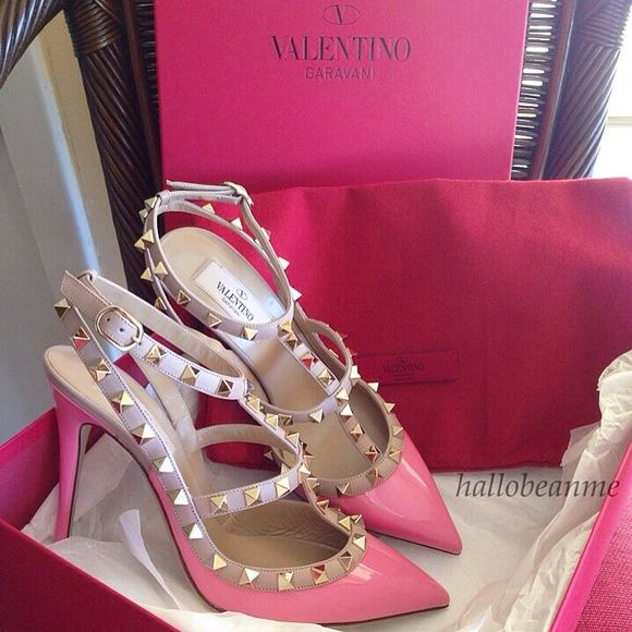 """AUTH Valentino Rockstud Pumps~Just Sharing Authentic Valentino Rockstud Pumps in pink/nude w/4"""" heels.  Excited to wear them this spring & summer!  Valentino Shoes Heels"""