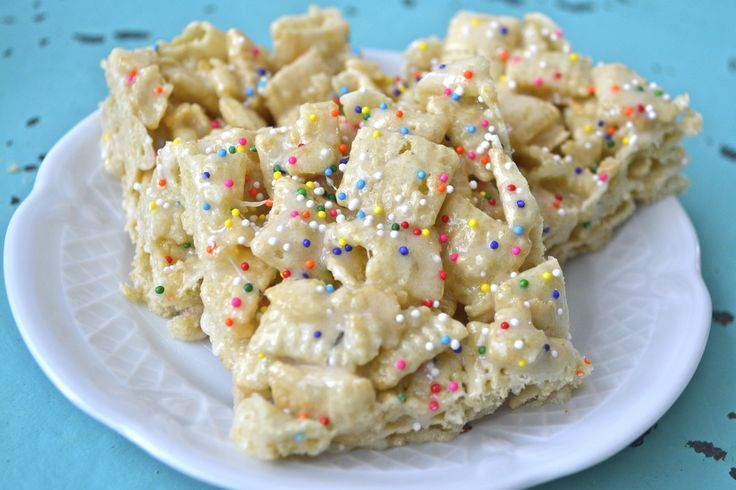 Cake Batter Bars, a super simple, sweet, sticky treat! And it happens to be gluten free!