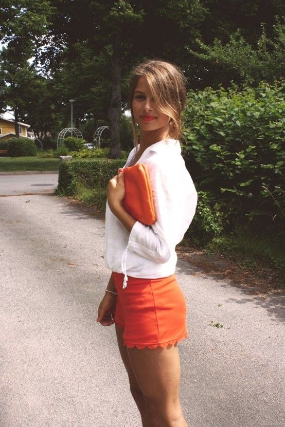 //: Scallops Shorts, Summer Outfit, Color Shorts, White Shirts, Summer Color, Orange Shorts, Orange Lips, White Blouses, Hair Color