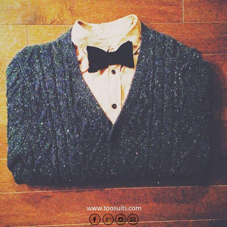 Monday! #toosuits #bowtie #bowties #bowtiesarecool #papyon #papillon #cool #corbatademoño #fashion #fashionable #fashionista #shirt #wiw #ootd #weareone #followme #instafashion #madeinitaly #italy #elegant #Elegance #elegante #englishstyle #stylish #pullover #social #smart #nerd #breakfast #monday