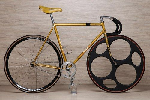 I've never seen a front wheel quite like this. Kinda looks like Swiss Cheese. Really sexy Swiss cheese.