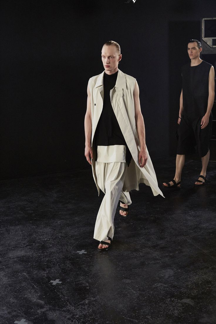 Austrian-born designerRaimond Berthold, meanwhile, drew a more subtle connection, building his collection around the outsized proportions of an old French cavalry coat.His clothes - alw...