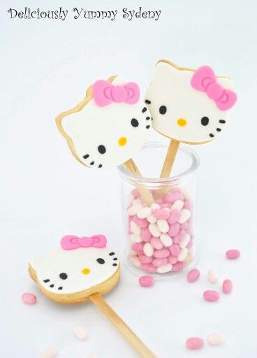 204 best images about Hello Kitty Cakes, Cupcakes and ...