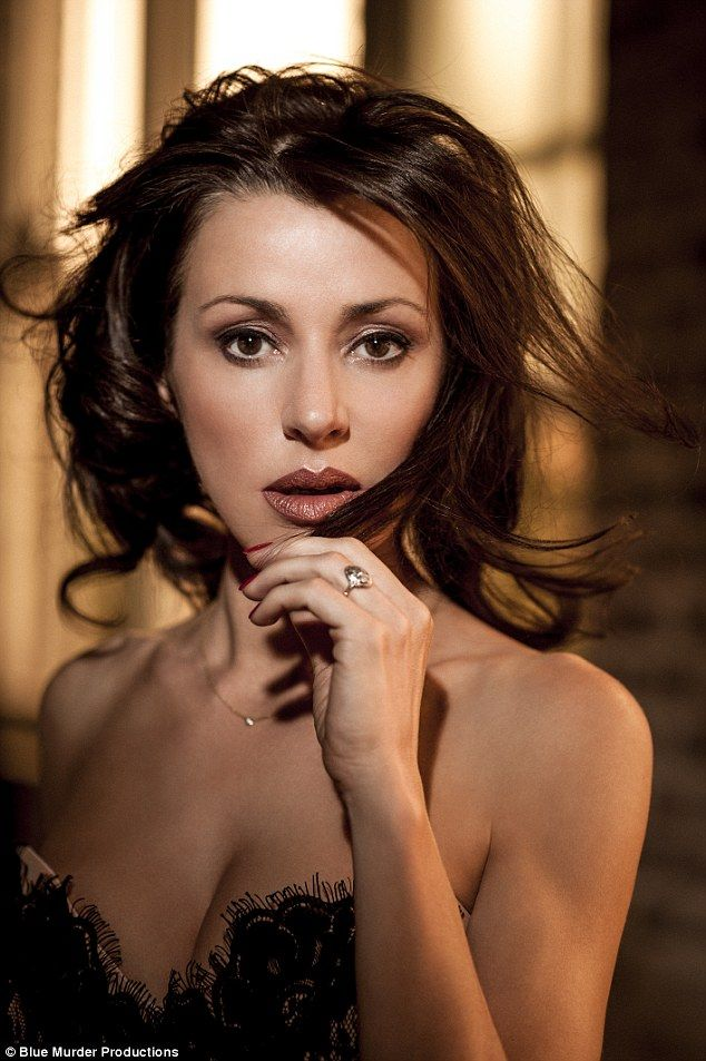 special host and performance by Tina Arena