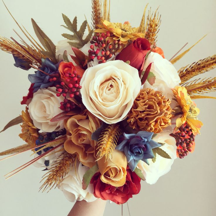 Gelin buketi / Bridal Bouquet #masalsiatolye #gelinbuketi  #bouquet #autumn #sonbahar www.masalsiatolye.com