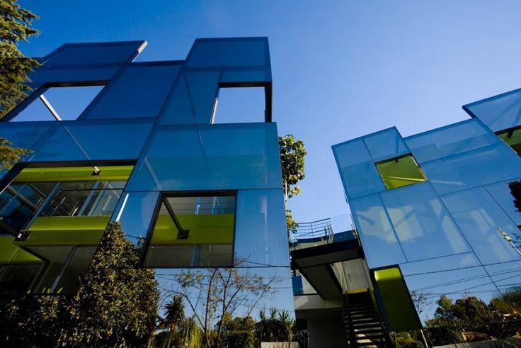 Trevox 223 Reflective Building – A Reconstructed 40 year Old House - Amazing mirror house | jebiga |