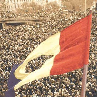 Cuțitul Elvețian : România în luna libertății și demnității naționale...
