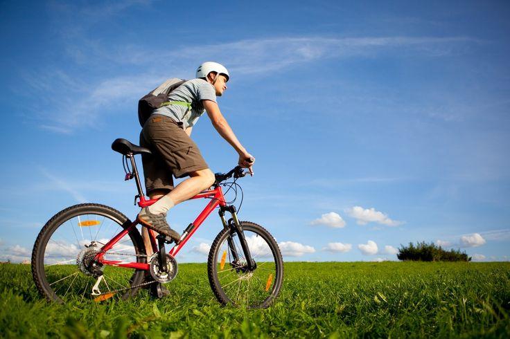 La DGT quiere implantar nuevas normas para la circulación en bicicleta.