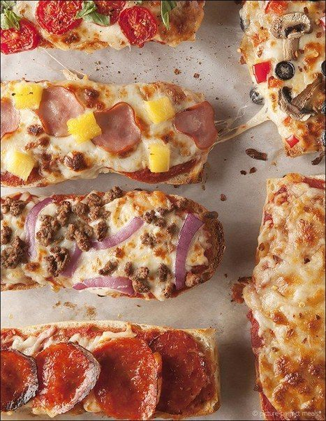 Portions of pizza on a baguette Ingredients: baguette cut in half, each  party has another 3 times to break mozzarella tomato paste or sauce toppings: sausage, sliced onion rings, peppers, mushrooms , olives, cooked beef, ham, sliced canned pineapple & etc. Preheat oven to 210 degrees. Place th baguette slices on a baking sheet, th ugly with parchment paper. On each plate a little sauce, top with cheese & toppings to taste. Bake until cheese is melted & slightly pokorichneveet for 15…