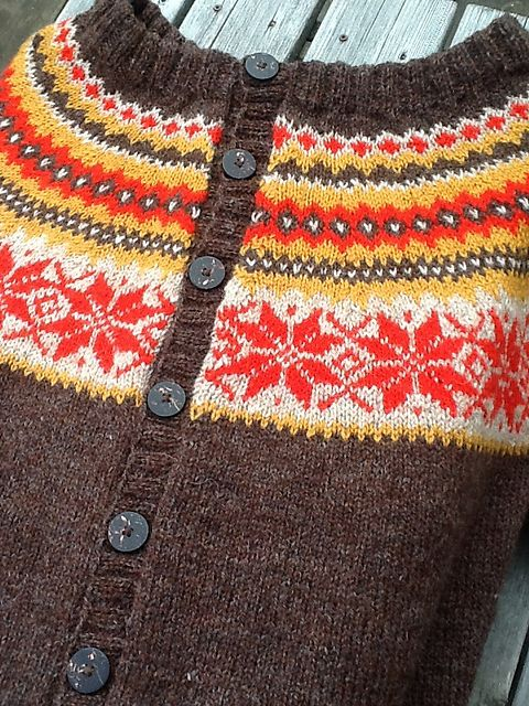 Ravelry: hellemyrvik's Nancy-kofte brown/red/yellow