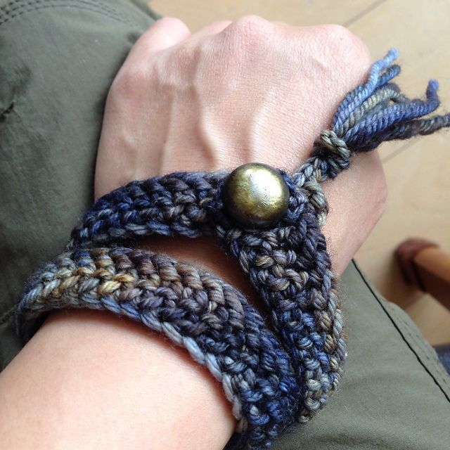 Bracelet001 by michiyo, knitted by akikoyo | malabrigo Rios in Playa