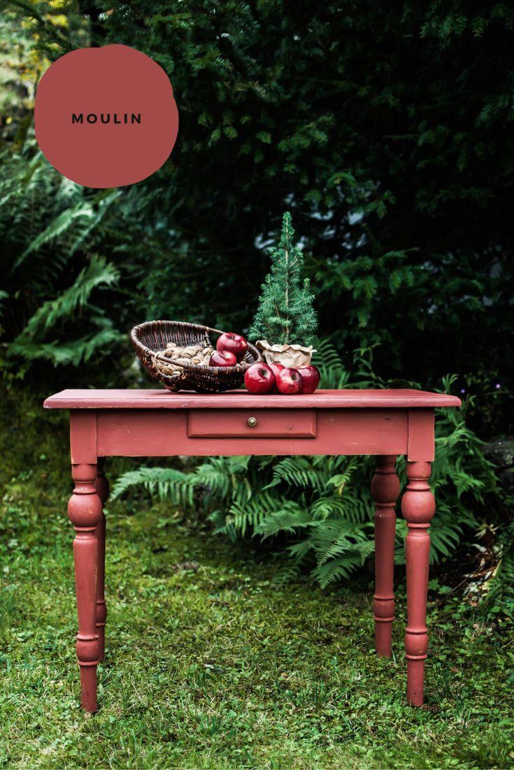Die natürliche Kreidefarbe MOULIN von Coucou Couleur #grün #rot #pflanztisch #gärtnern #garten #kreidefarbe #shabbychic #herbstdeko #weihnachtsdeko #rustikal #vintage #möbel #antik #boho #ökologisch #natur #Tannenbaum #Weihnachtsbaum #Nüsse #Äpfel #stillleben #diy #upcycling #streichen #landhausstil #farmhouse