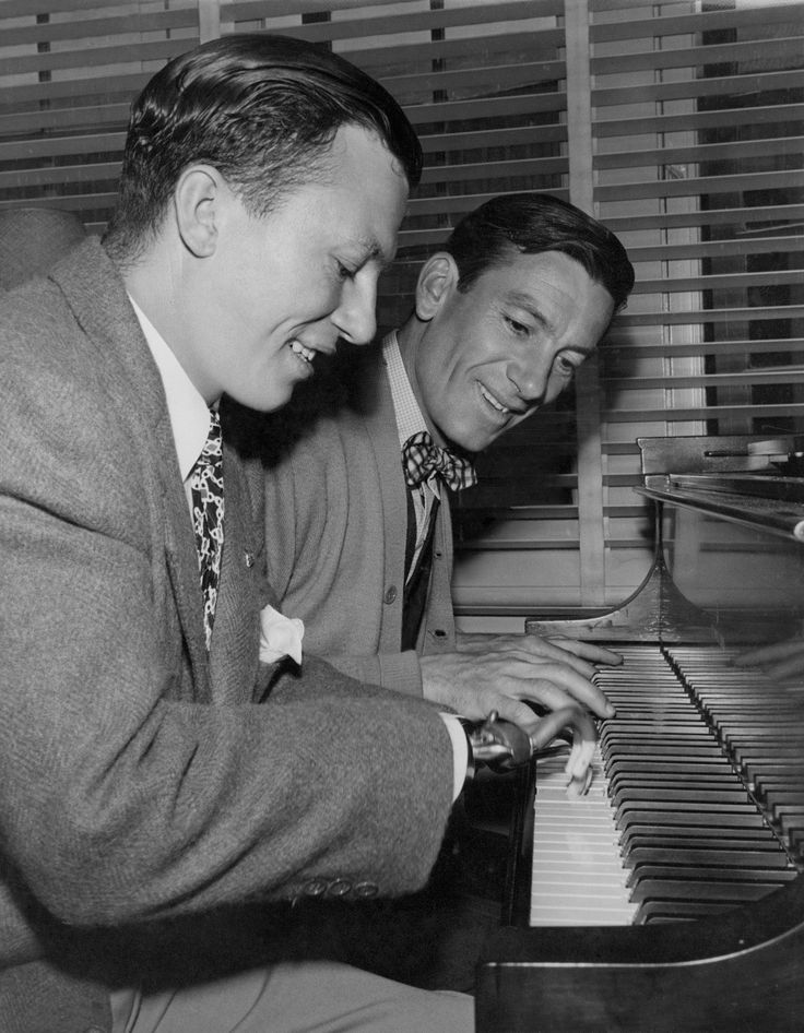 Harold Russell and Hoagy Carmichael on the set of The Best Years of Our Lives, directed by William Wyler, 1946.
