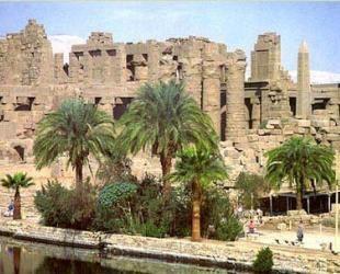 templo-cidade-de-tebas-Tebas foi uma cidade do Egito Antigo (chamada Uaset em egípcio antigo)situada no local da atual cidade de Luxor