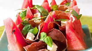 Salat med skinke og vannmelon