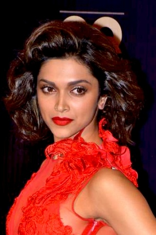 Priyanka dazzles in red with a red lip