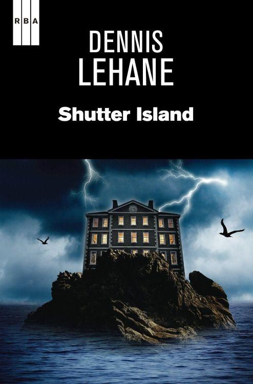 Teddy Daniels komt aan op Shutter Island, waar het Ashecliffe Hospital, een inrichting voor psychopatische misdadigers, is gelegen. Samen met zijn partner, Chuck Aule, onderneemt hij een speurtocht naar Rachel Solando, een voortvluchtige moordenares. Maar niets is wat het lijkt op het eiland. Terwijl een orkaan losbarst, nemen de vragen toe. Hoe heeft een vrouw uit een gesloten kamer kunnen ontsnappen? Wie laat er aanwijzingen achter in de vorm van cryptische codes? Hoe dichter Teddy en…