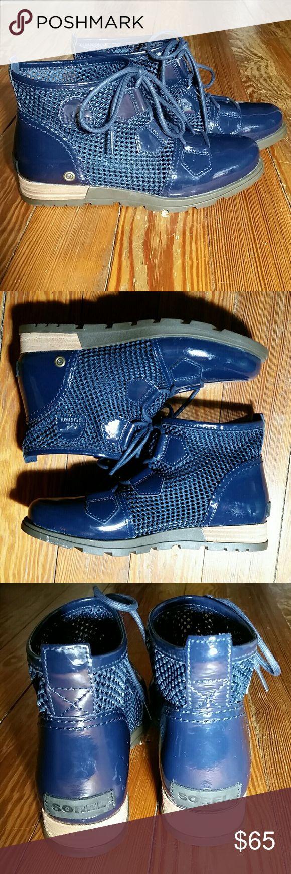 NEW Sorel Major Mesh Boots NWOT, Sorel  Major Mesh Boots, Navy, Size 6.5, Never worn Sorel Shoes Winter & Rain Boots
