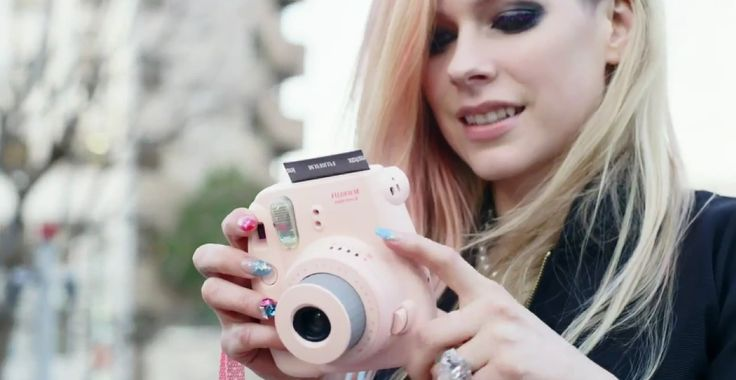 Fujifilm Instax Mini 8 camera used by Avril Lavigne in HELLO KITTY by Avril Lavigne (2014) #fujifilm