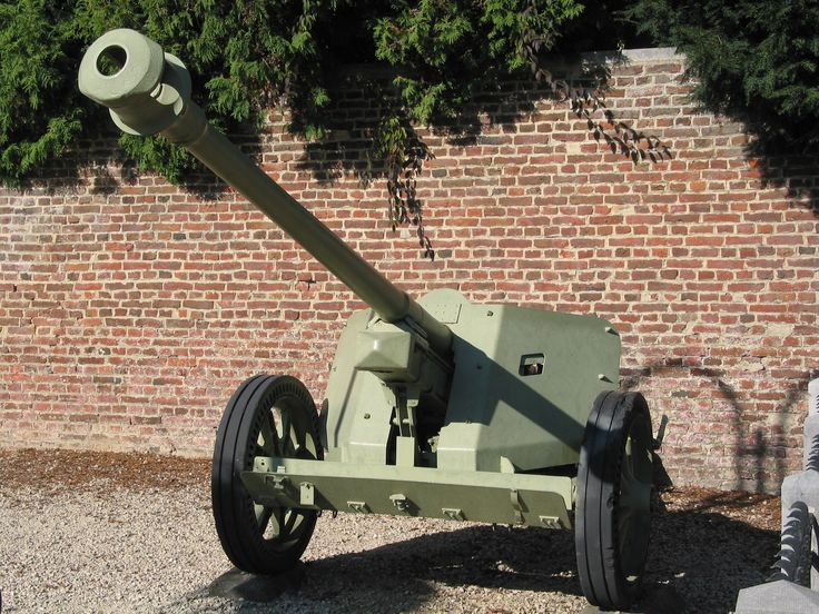 German_PaK_40_75mm_anti-tank_gun_in_Burdinne.jpg (2272×1704)