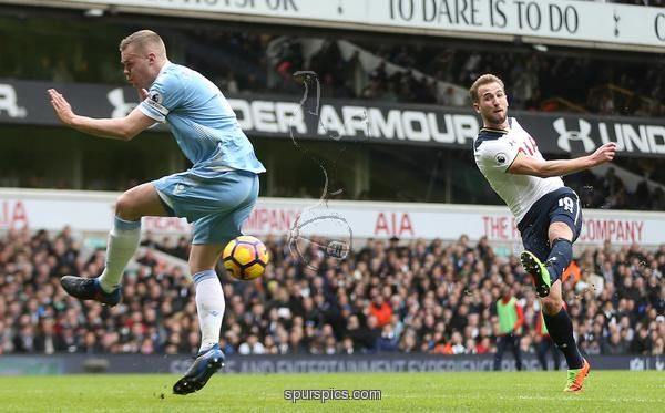 LONDON, ENGLAND - FEBRUARY 26: Harry Kane of Tottenham Hotspur scores his teams second goal during the Premier League match between Tottenham Hotspur and Stoke City at White Hart Lane on February 26, 2017 in London, England