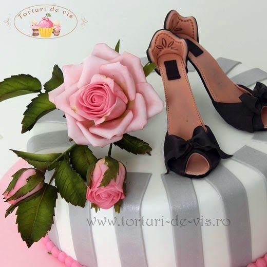 Pantofi si trandafiri
