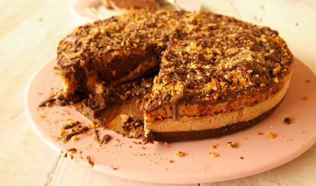 Paleo De-SNICKER-licious cake! Easy Raw Cake Recipe!