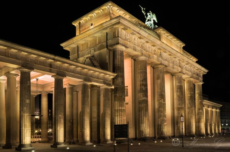 #Brandenburgertor #berlin #pariserplatz #nightphotography #architecture #maximg_photography #travel #germany #brandenburggate
