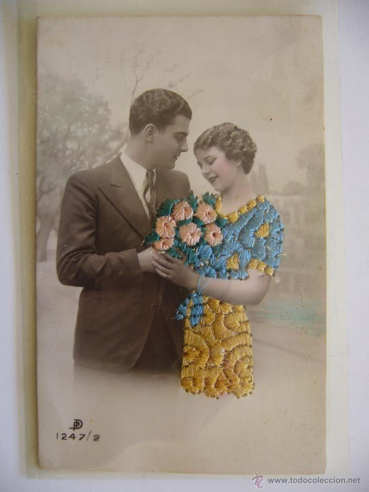 Postal Romántica. Bordada. Galante y Mujer. Circulada.