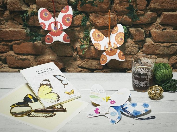 La Green Words Rosa è una farfallina in cartoncino che contiene semi di Gypsophila e si può trasformare in tante cose: in un biglietto dove scrivere e condividere i tuoi pensieri; è portatrice di semi di piante che attirano farfalle, è un oggetto che aiuta le cooperative sociali a sostenersi ma, soprattutto, proprio come le vere farfalle, è bellissima.